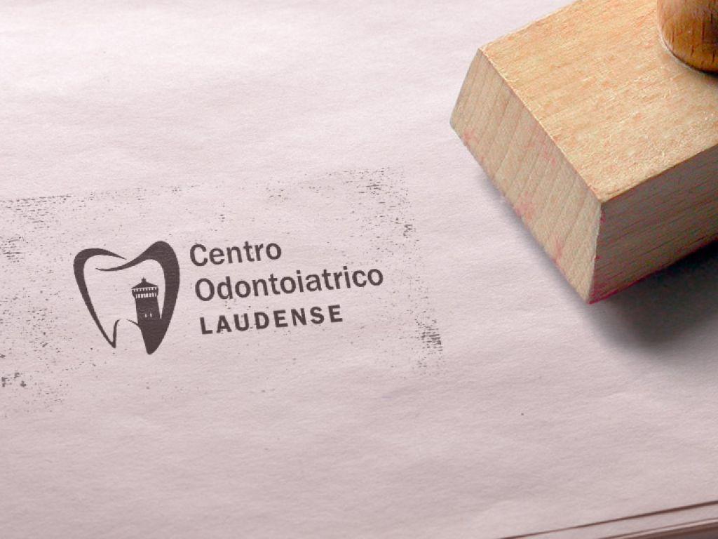 Realizzazione logo aziendale studio dentistico Bonomi